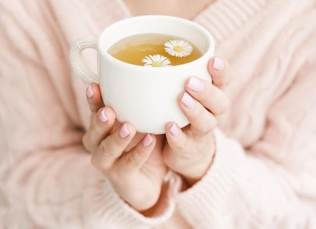 minum teh hijau setidaknya tiga kali seminggu dikaitkan dengan 25% lebih rendah terkena resiko penyakit jantung dan stroke.