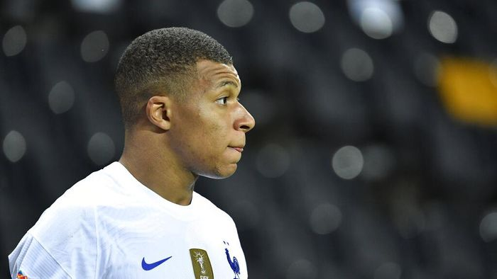 Frances Kylian Mbappe looks on during the UEFA Nations League soccer match between Sweden and France at Friends Arena, Saturday, Sept. 5, 2020, in Stockholm, Sweden. (Jessica Gow/TT via AP)
