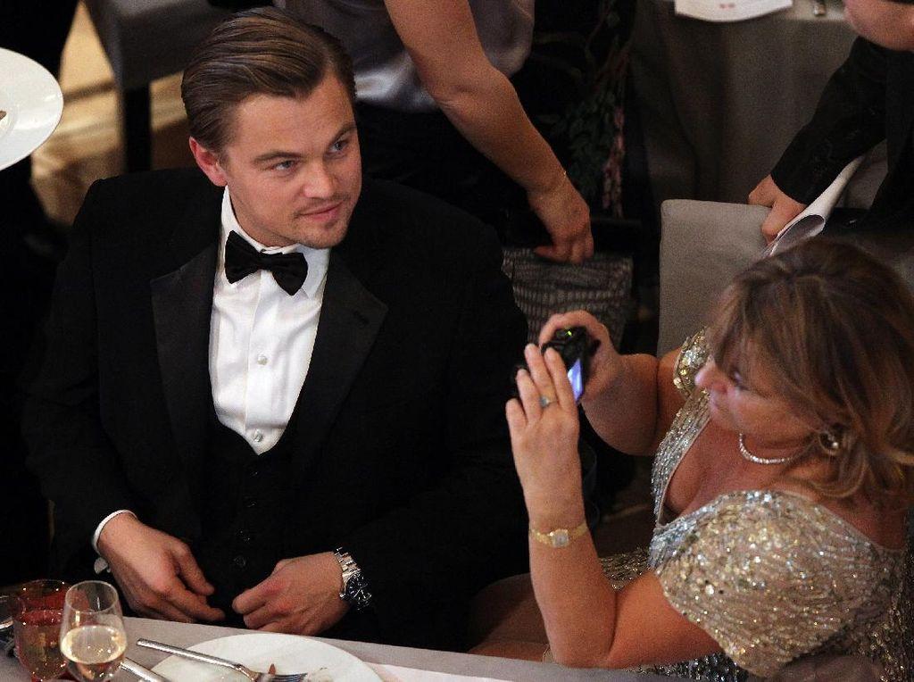 Tak Mau Ibunya Tahu Perokok, Leonardo DiCaprio Lakukan Cara Ini