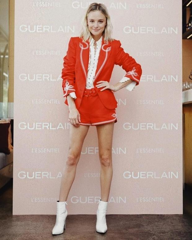 Nadia sendiri telah mengukuhkan namanya sebagai salah satu fashion blogger mode paling elit di Australia