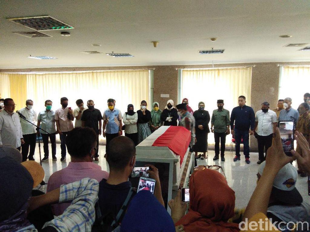 Dilepas DPRD Sulsel ke Keluarga, Almarhum Ince Dikenang Pribadi Solutif