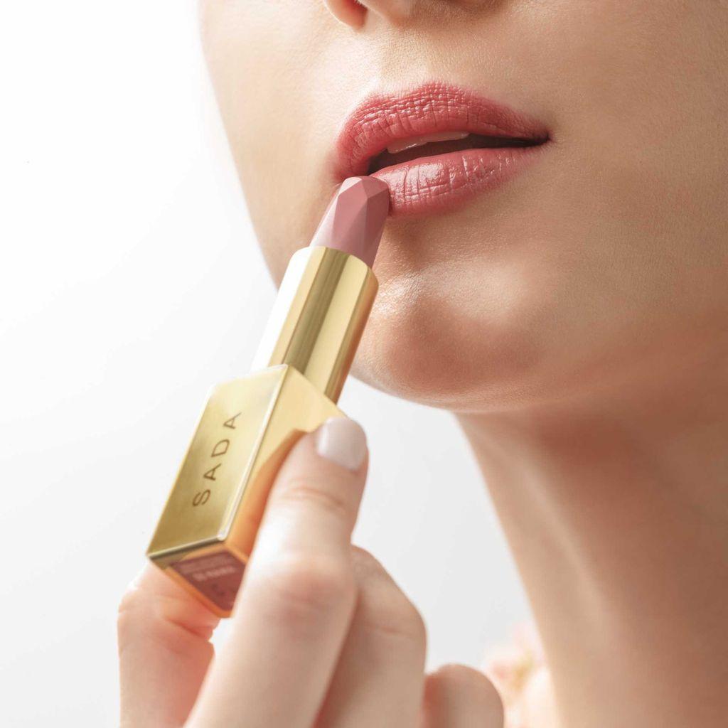 Satin Seduction Lipstick dan Velvet Passion Matte Lipstick