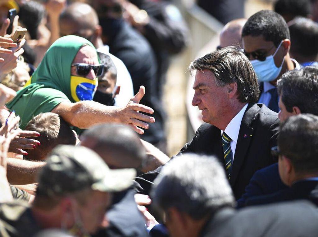 Duh! Perayaan Ulang Tahun Presiden Brasil Timbulkan Kerumunan