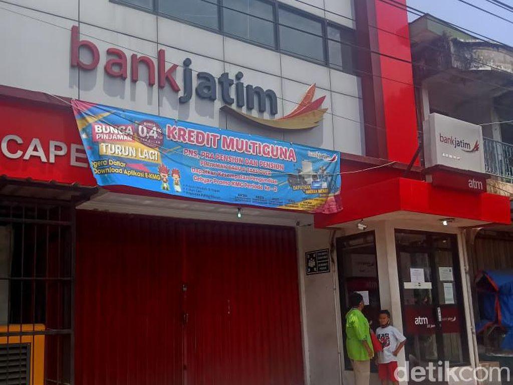 10 Karyawan Positif COVID-19, Kantor Bank Jatim di Jember Tutup