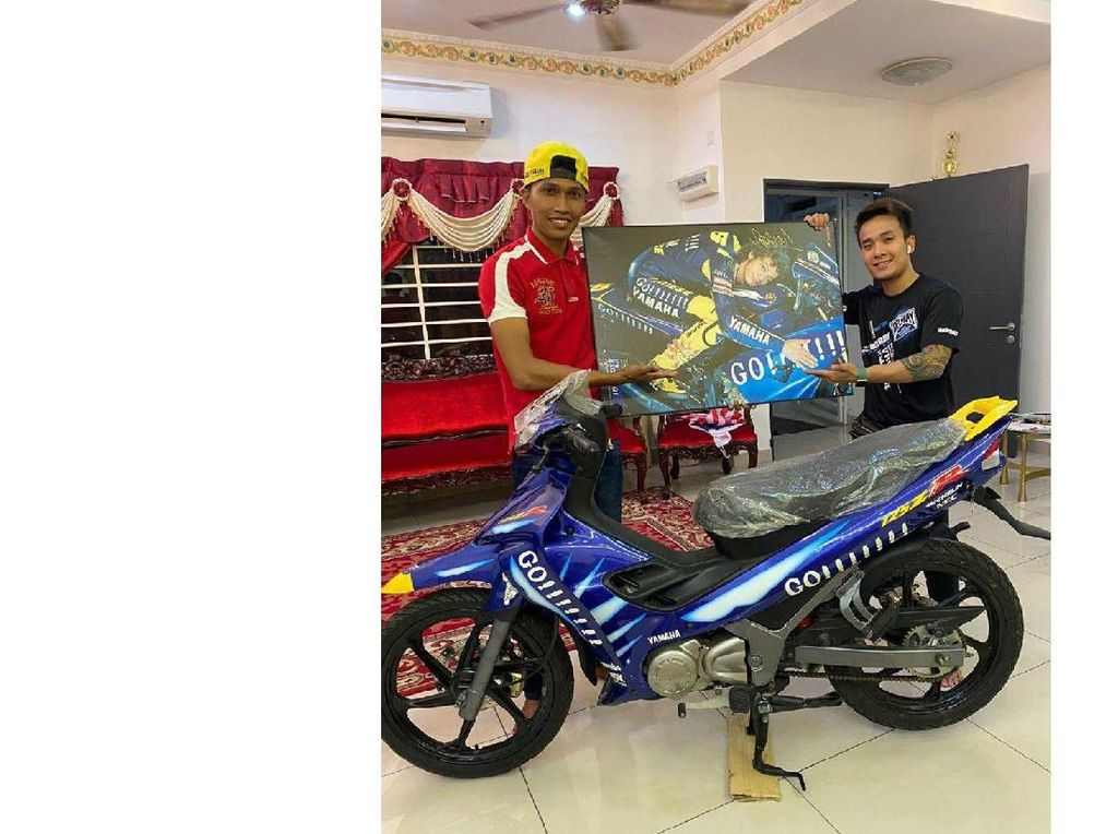 Gila! Motor Bebek Jadul Yamaha Edisi Valentino Rossi Laku Rp 302 Juta