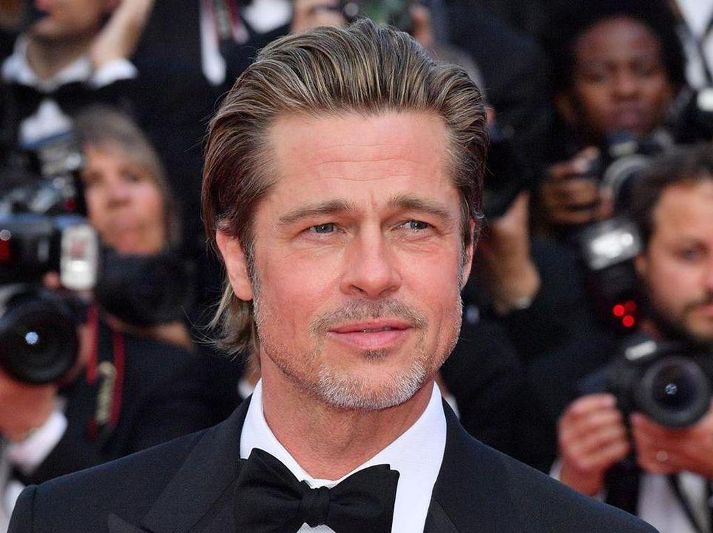 Inikah Alasan Brad Pitt Putus dari Nicole Poturalski Setelah Pacaran 2 Bulan?