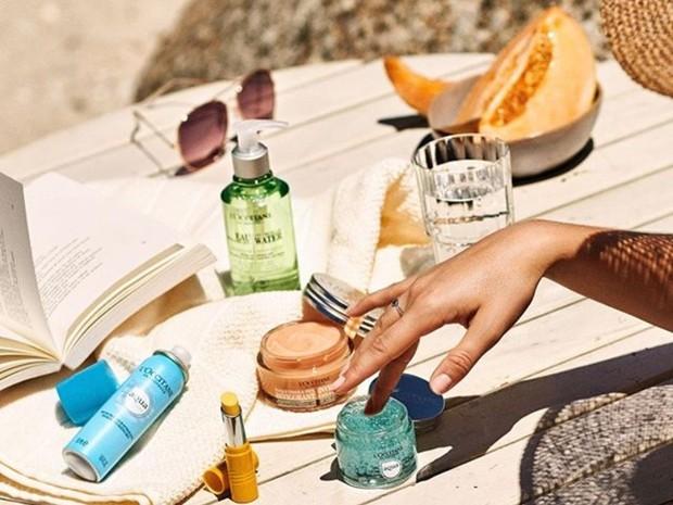 produk berbasis air seperti L'OCCITANE Aqua Reotier akan menjaga kulit senantiasa terhidrasi dan membuat wajah mulus