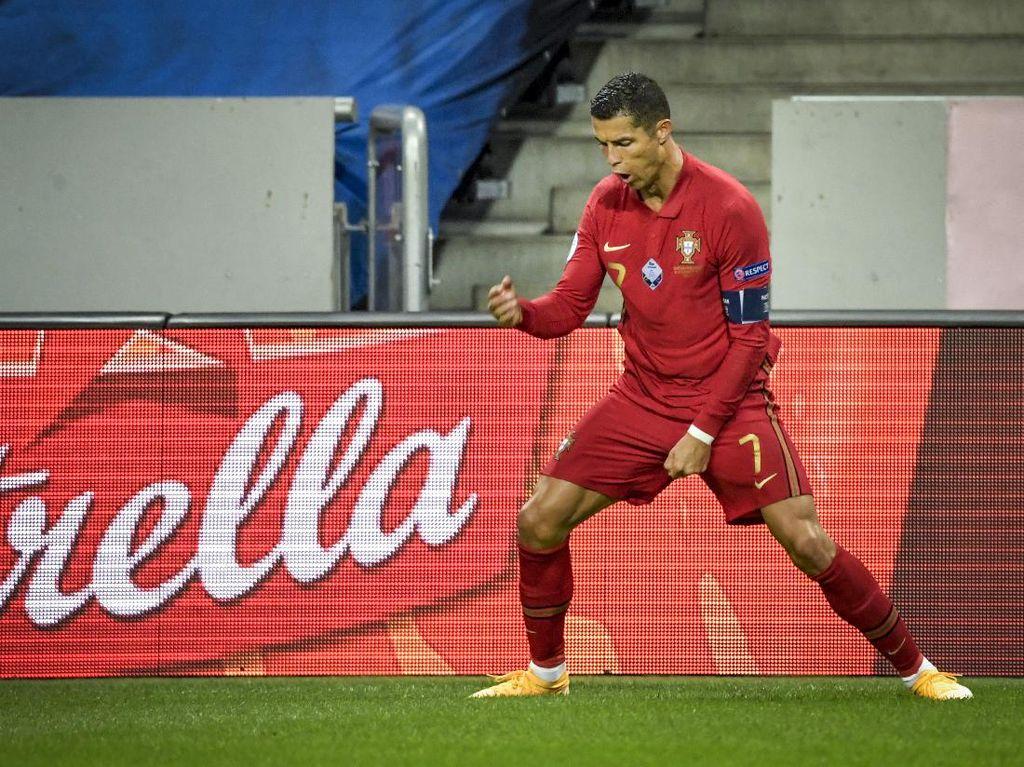 Cristiano Ronaldo di Ambang Rekor Gol Ali Daei, Giggs Bilang Begini