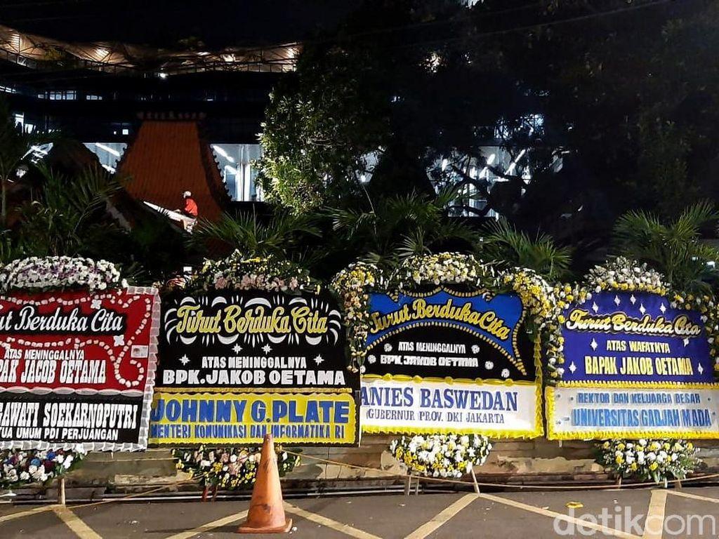 Jakob Oetama Tutup Usia, Jokowi hingga Anies Kirim Karangan Bunga