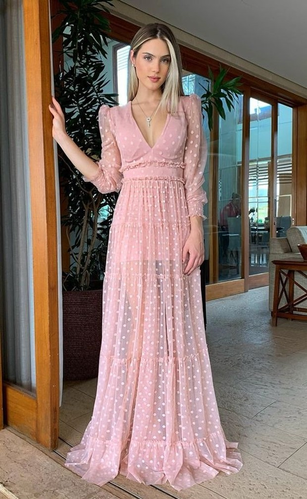 : Empire waist dress cocok untuk si penggemar classy look