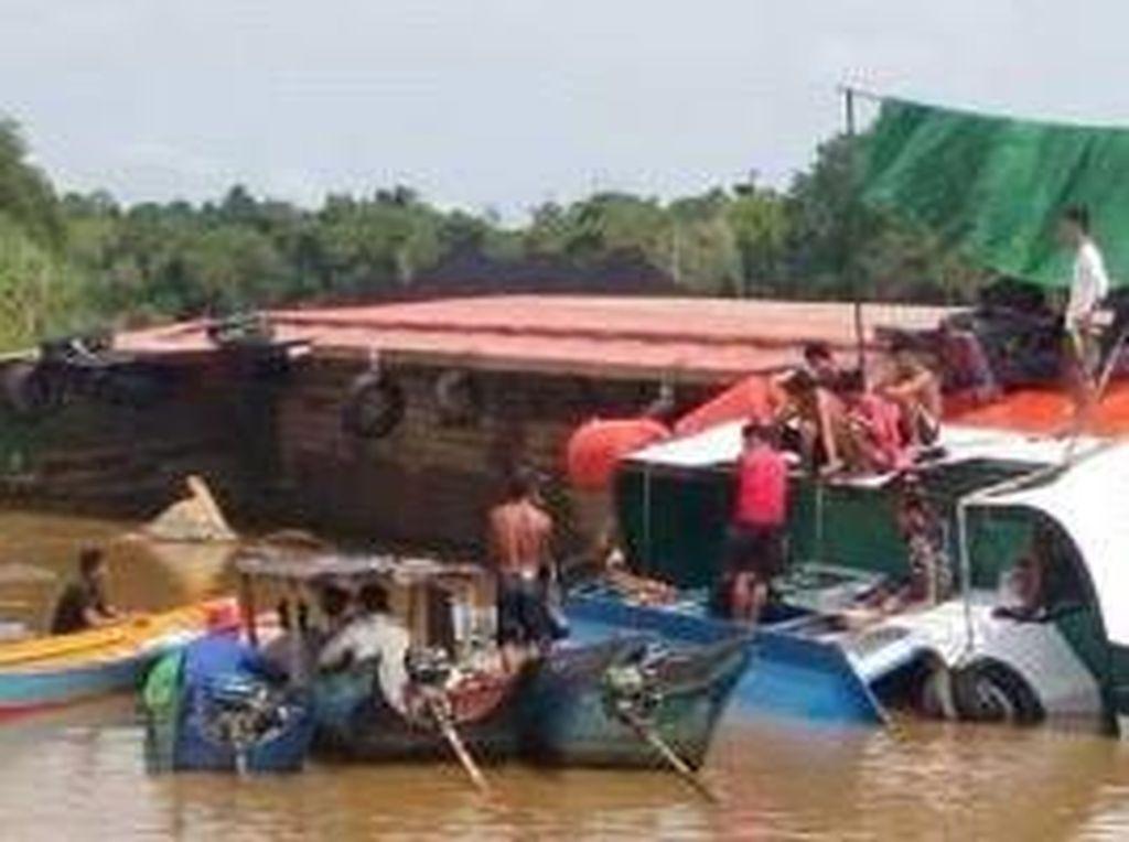 Kapal Feri Tenggelam Akibat Dihantam Gelombang di Kutim, 1 ABK Hilang
