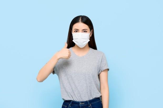 penggunaan masker dalam kurun waktu yang lama bisa menyebabkan perubahan kelembapan dan temperatur di sekitar wajah yang tertutup oleh masker.