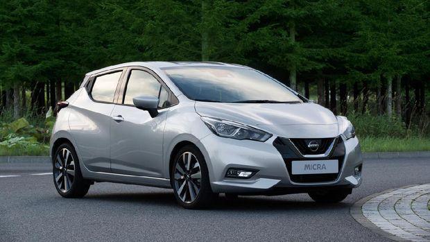 Nissan Micra atau March generasi kelima.