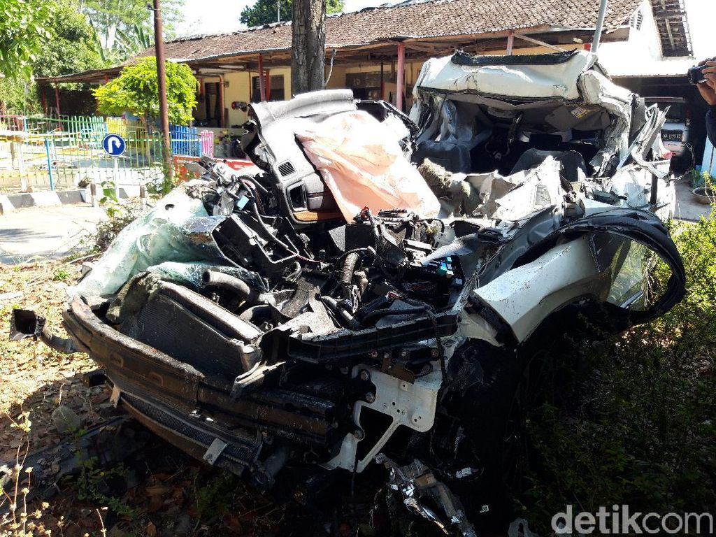 Pasutri Korban Kecelakaan Maut di Tol Boyolali Hendak Liburan ke Magelang