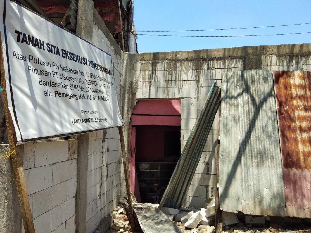 Mediasi Belum Tuntas Sepenuhnya, Tembok Rumah Lansia Mulai Dibuka