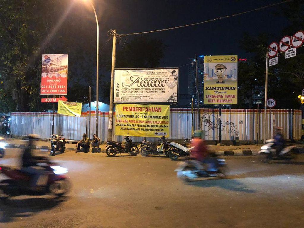 Perlintasan Rel KA di Jalan Perjuangan Bekasi Ditutup Sebagian Selama 10 Hari