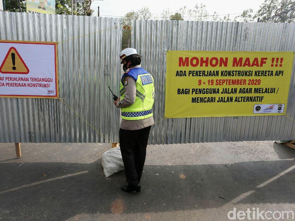 Perlintasan Rel KA di Jalan Perjuangan Bekasi Ditutup 10 Hari
