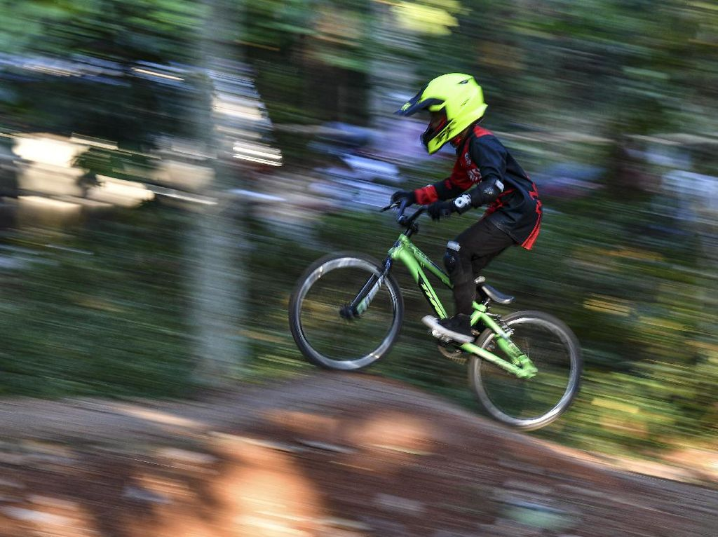 Pesepeda Cilik Ini Asah Kemampuan di Masa Pandemi