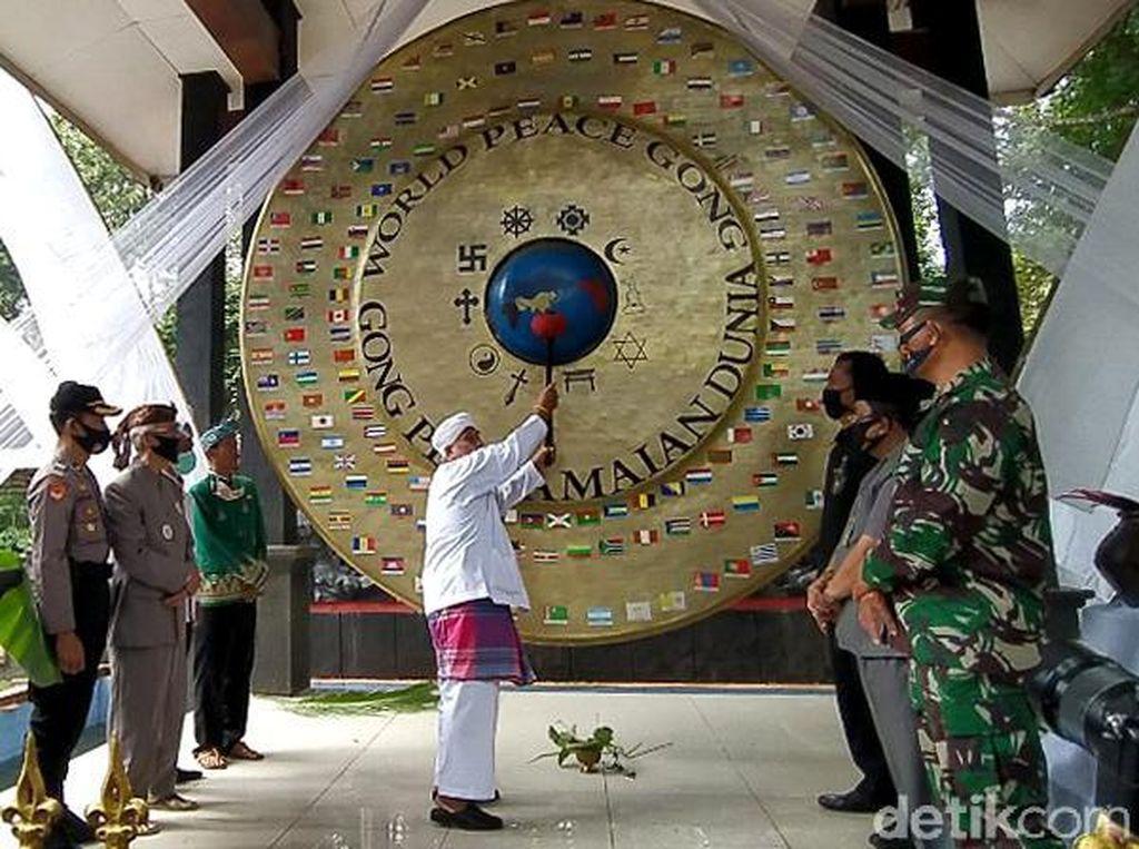 Potret Gong Perdamaian Dunia di Ciamis yang Ditabuh Setahun Sekali
