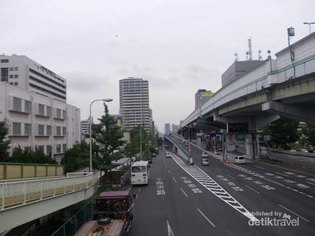 Pagi Hari di Tanimachi Osaka, Jepang