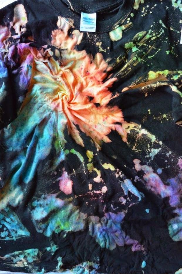 Ada banyak pola untuk membuat outfit tie dye.