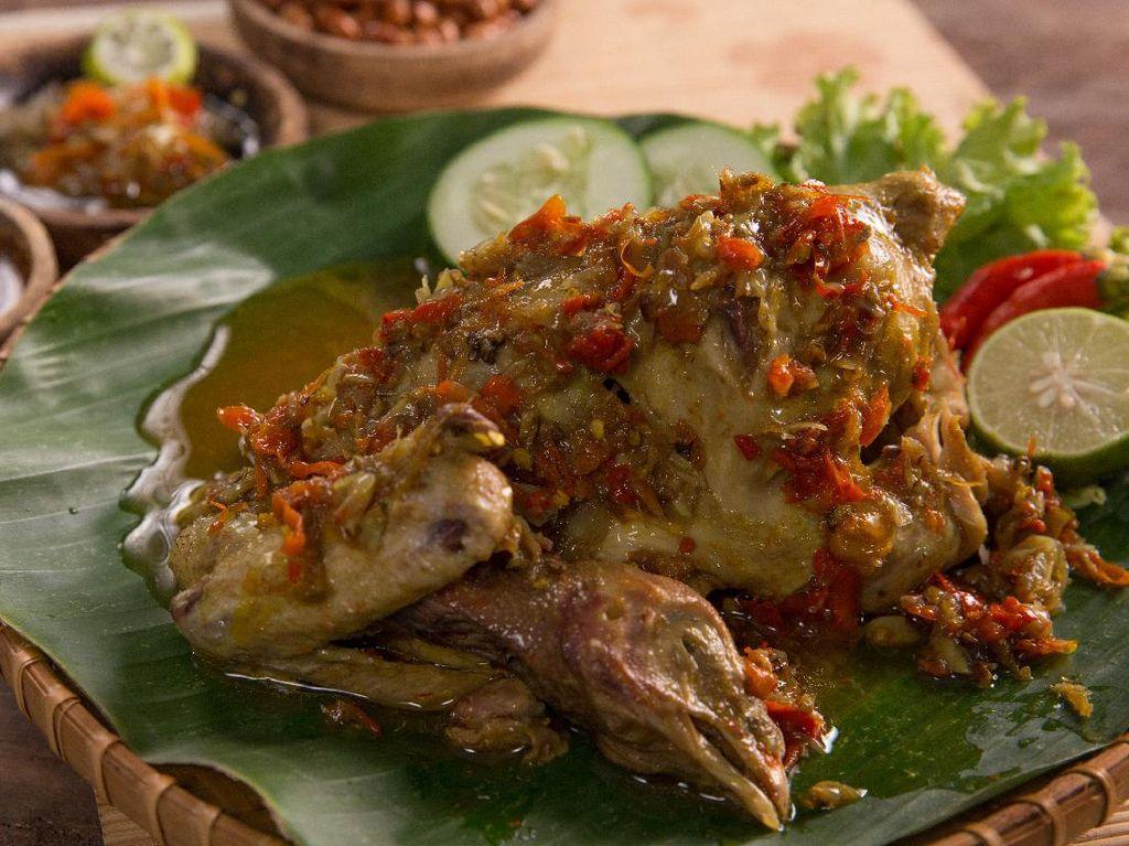 Resep Ayam Betutu Khas Gilimanuk Bali yang Pedas Mantap