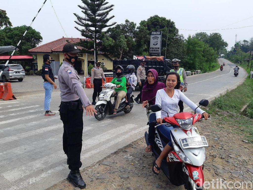PSBB Hari Pertama di Kota Serang, Cek Poin Belum Merata