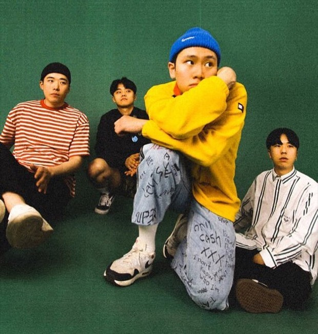 Grup ini selalu berhasil dalam memproduksi lagu rock yang asik dan menyenangkan.