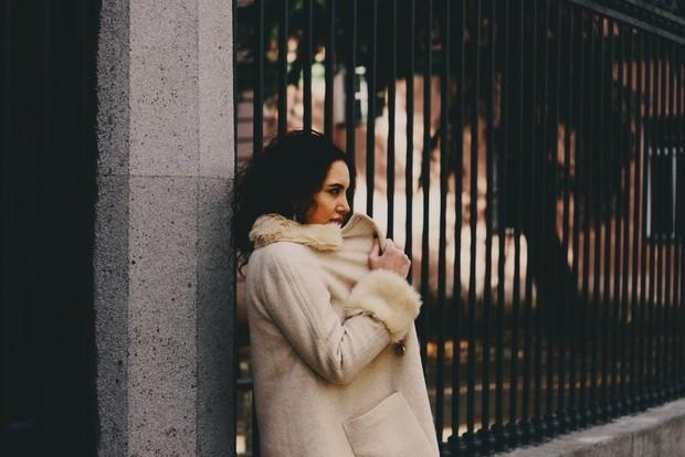 Umumnya introvert mengalami kesulitan dalam bersosialisasi dengan banyak orang.