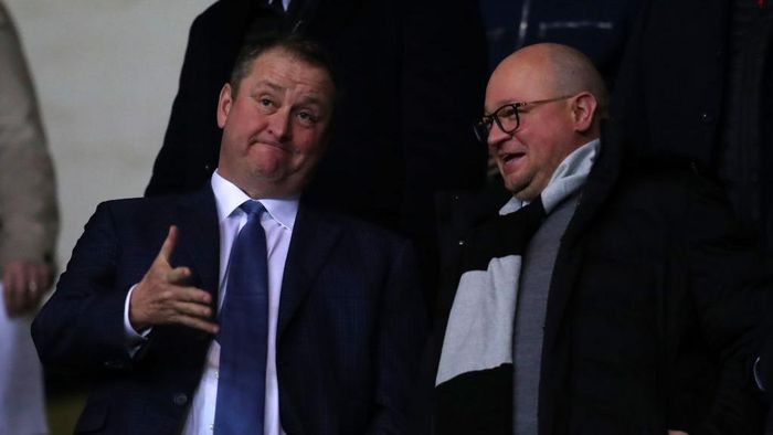 OXFORD, ENGLAND - FEBRUARY 04: Mike Ashley owner of Newcastle United talks to managing Directory Lee Charnley ahead of the FA Cup Fourth Round Replay match between Oxford United and Newcastle United at Kassam Stadium on February 04, 2020 in Oxford, England. (Photo by Catherine Ivill/Getty Images)