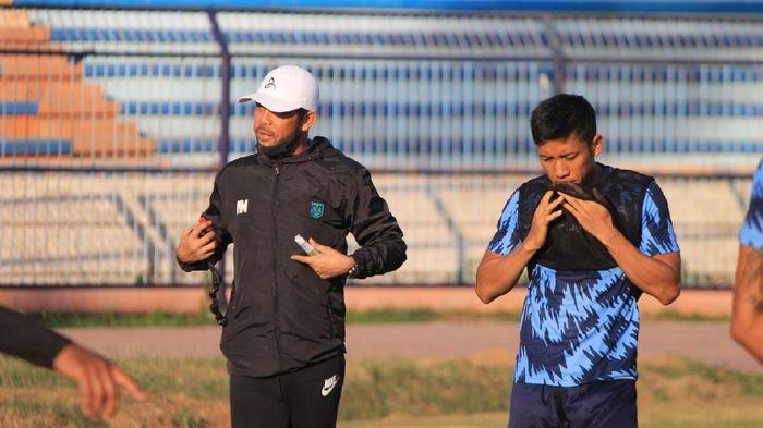 Nilmaizar, pelatih Persela Lamongan