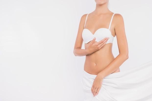 Payudara yang mengendur merupakan sebuah kondisi yang umum terjadi. Bahkan ada istilah medis khusus untuk payudara kendur, yaitu ptosis.