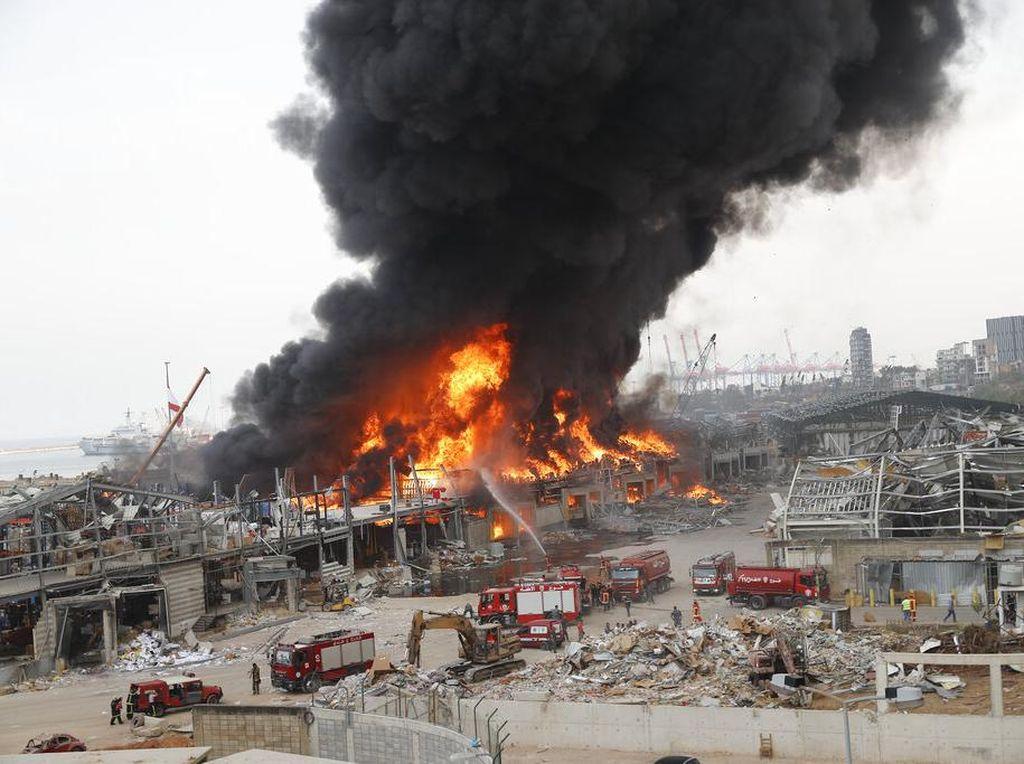 Video: Usai Ledakan Dahsyat, Pelabuhan Beirut Kini Kebakaran Besar