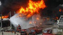 Pelabuhan Beirut Dilalap Api Usai Sebulan Ledakan Lebanon