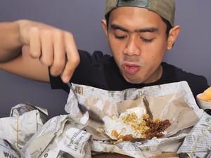 Gokil! Tanboy Kun Sarapan 4 Bungkus Nasi Padang hingga 10 Bungkus Nasi Uduk