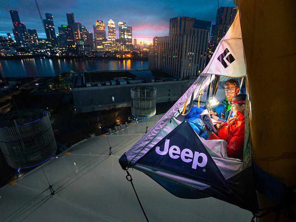 Ngeri, Tenda Ini Berada di Ketinggian 76 Meter