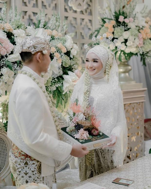 Amarta Wo ini bisa dijadikan pilihan untuk pernikahan di masa pandemi. salah satu yang sudah pernah memakai jasanya adalah bella almira