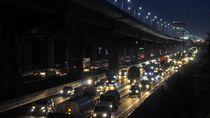Lalin Tol Jakarta-Cikampek Ramai Jelang PSBB Jakarta