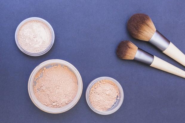 Finishing powder digunakan setelah menggunakan semua makeup