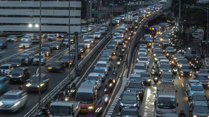 DKI Terapkan Ganjil Genap Lagi, Gara-Gara Jakarta Makin Macet!