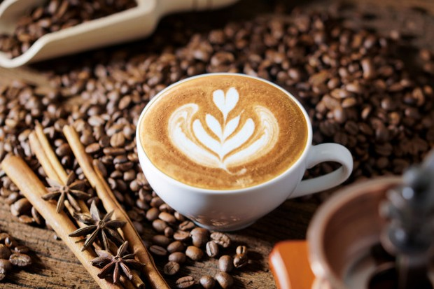Batasan konsumsi aman minum kopi untuk wanita hamil adalah enggak lebih dari 6 cangkir dalam sehari.