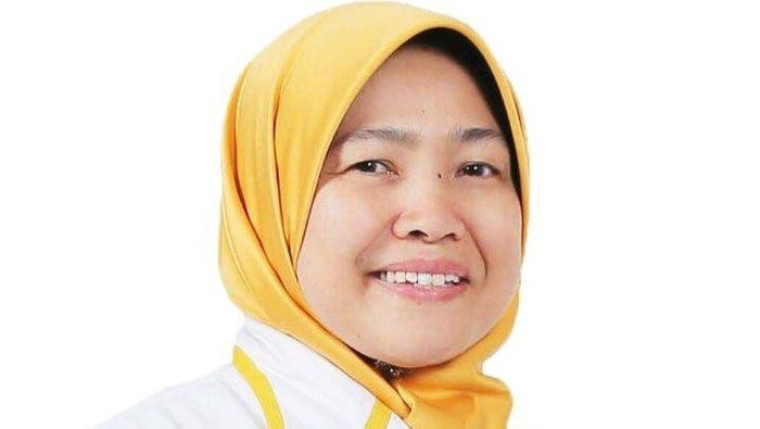Gubernur DKI Jakarta Anies Baswedan kembali menetapkan status PSBB total di Ibu Kota. Anggota DPR F-PDIP tak setuju. Sementara Anggota DPR F-PKS menilai keputusan Anies tepat.
