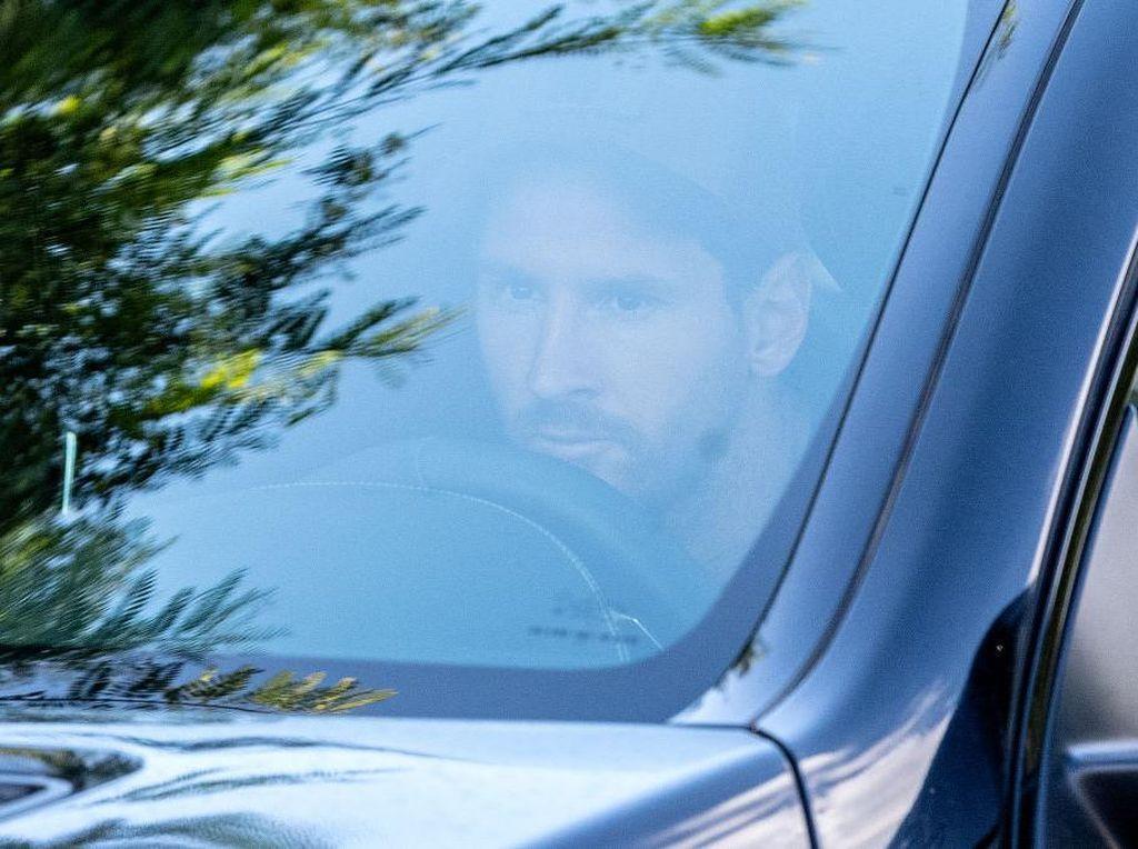 Skuad Barcelona Libur, Messi Tetap Latihan Sendiri!