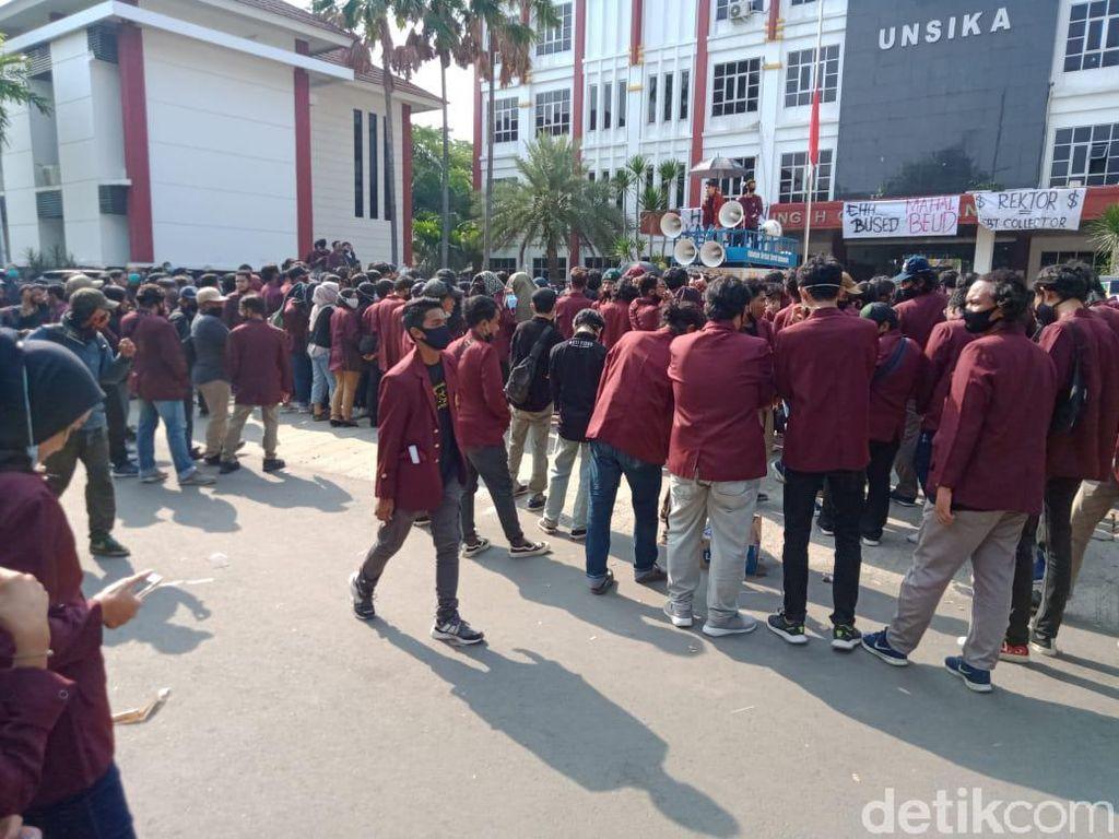 Diprotes Mahasiswa, Unsika Bolehkan Uang Pangkal Dicicil