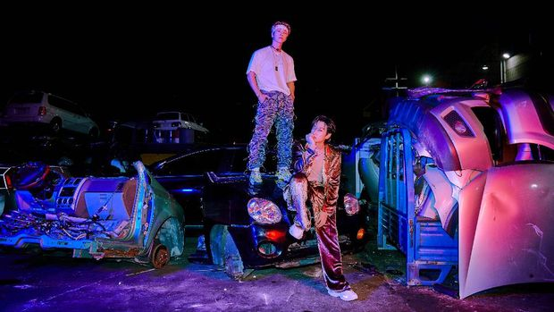 Perdana, Super Junior D&E Nyanyikan 'B.A.D' di 'Music Bank'
