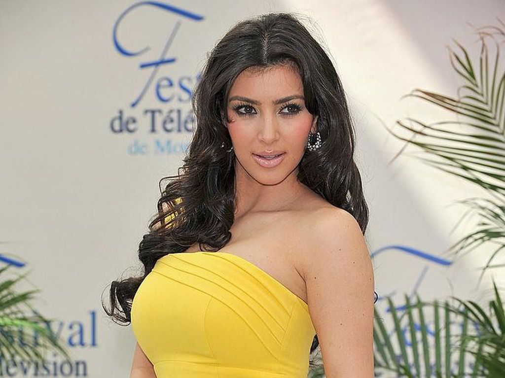 Kim Kardashian Kok Ngamuk ke Jennifer Aniston Sih?