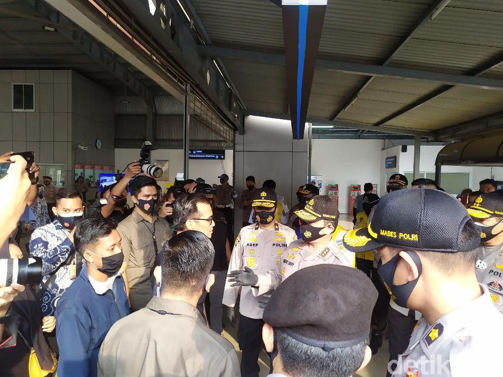Operasi Yustisi di Stasiun Tanah Abang, Wakapolri Pergoki Warga Tak Bermasker