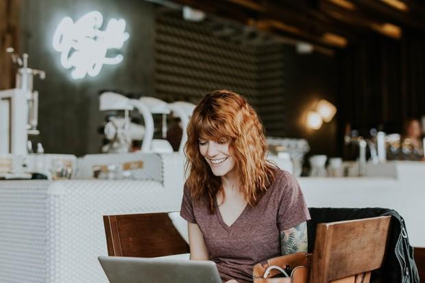 Pelajari profil perusahaan sebelum hari H wawancara kerja virtual