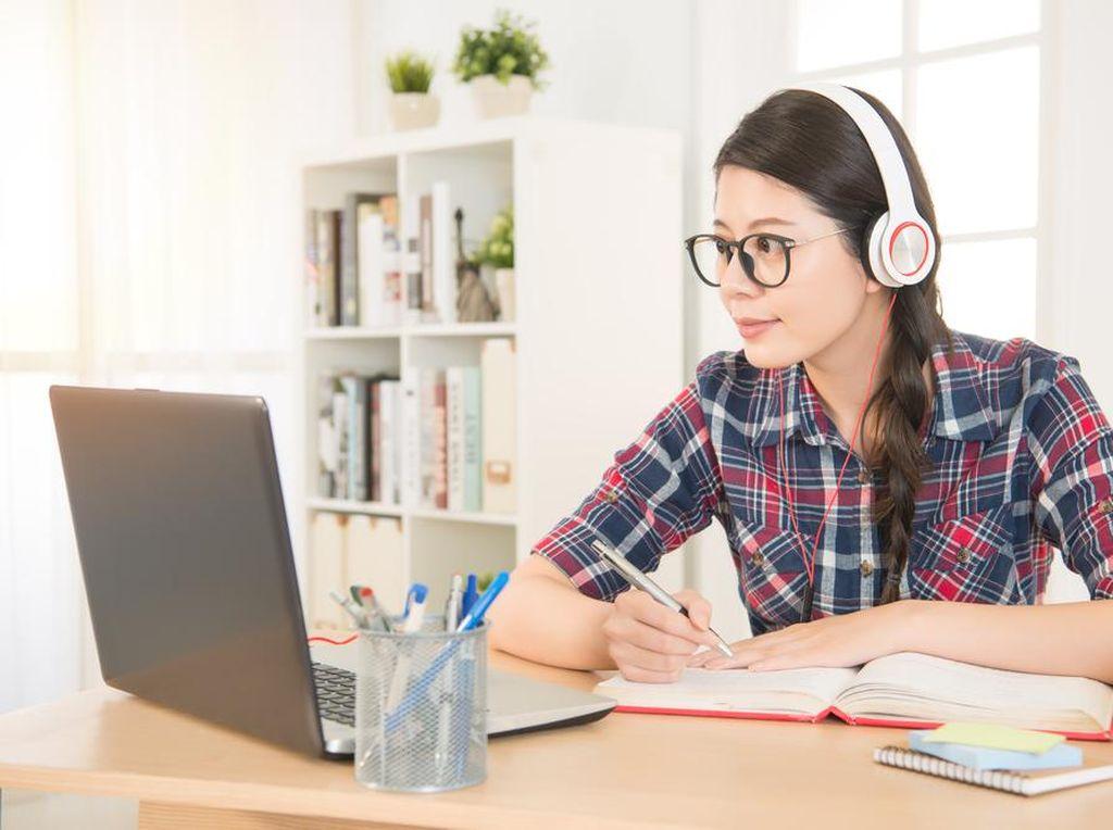 Pelajar Harus Tahu! Ini 4 Tips Belajar Efektif dan Fokus dari Rumah