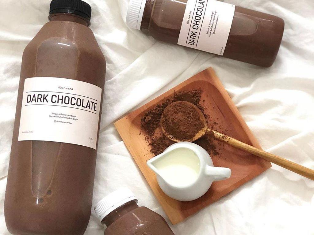 Segerr! Es Cokelat Seliter Bisa Dipesan di 5 Tempat Ini
